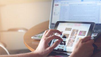 Parcourir l'information en ligne pour mieux s'informer