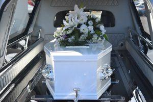 Enterrement covid : pourquoi faire appel à des pompes funèbres ?